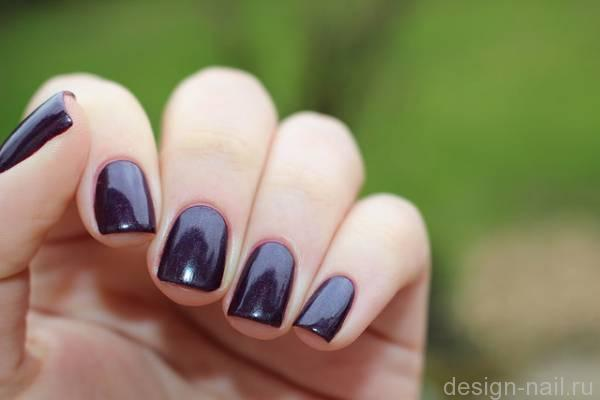 Illamasqua Gothiqua vs Picture Polish Poison